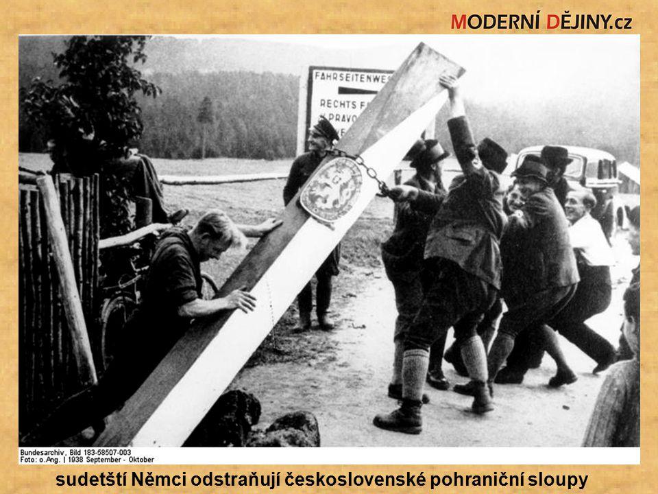 sudetští Němci odstraňují československé pohraniční sloupy