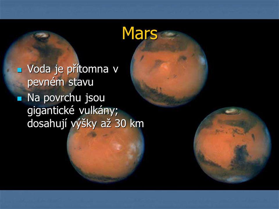 Mars Voda je přítomna v pevném stavu
