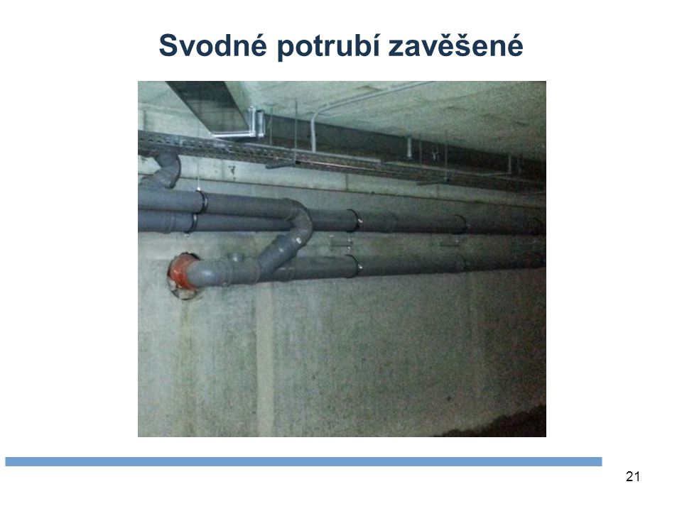 Svodné potrubí zavěšené