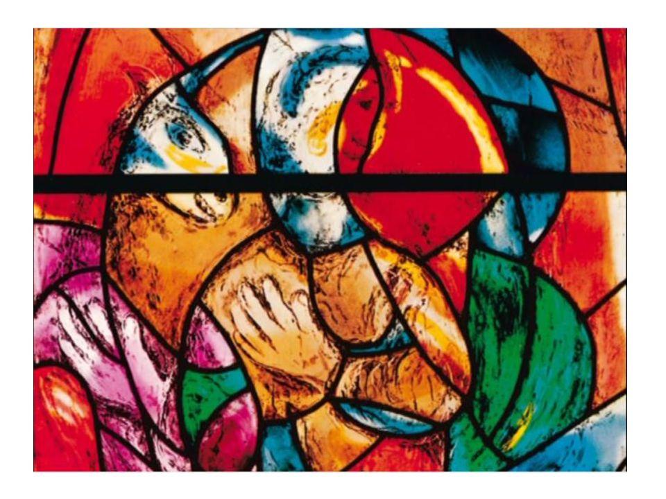 Horní část okna proroků připomíná dílo Boha Stvořitele