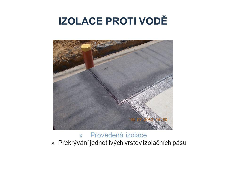 Překrývání jednotlivých vrstev izolačních pásů