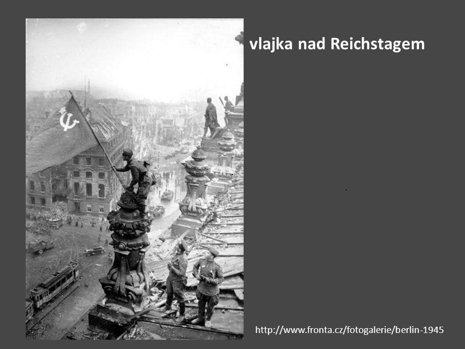 vlajka nad Reichstagem