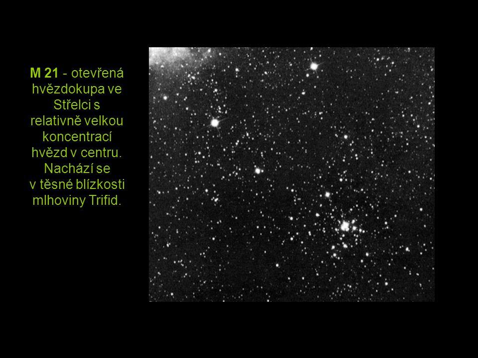M 21 - otevřená hvězdokupa ve Střelci s relativně velkou koncentrací hvězd v centru.