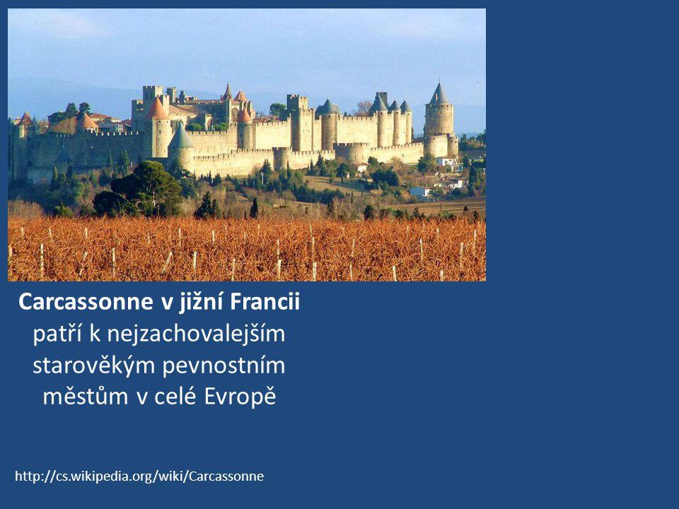 Carcassonne v jižní Francii patří k nejzachovalejším starověkým pevnostním městům v celé Evropě