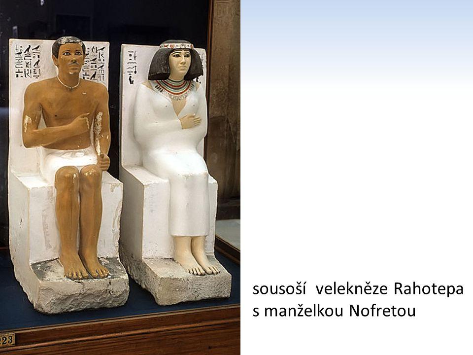 sousoší velekněze Rahotepa