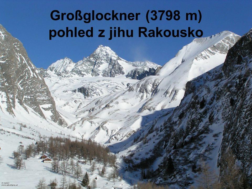 Großglockner (3798 m) pohled z jihu Rakousko
