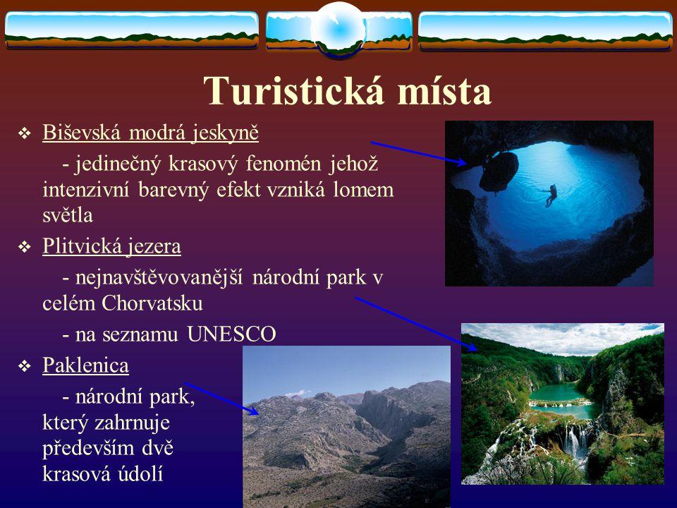 Turistická místa Biševská modrá jeskyně
