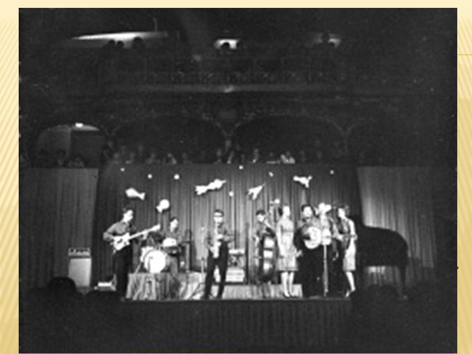 Big beat 60. let 50. léta. Mladí lidé poslouchali zahraniční rádio Luxembourg. To hrálo populární hudbu.