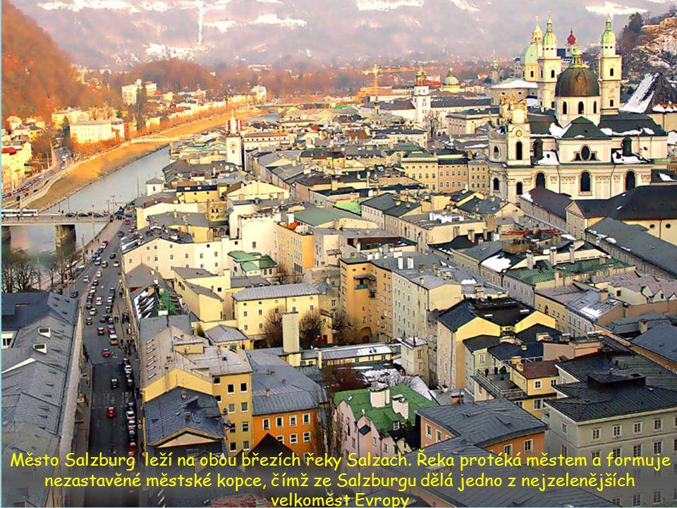 Město Salzburg leží na obou březích řeky Salzach