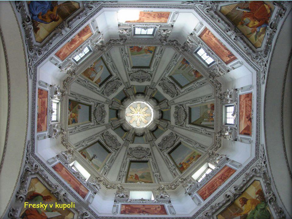 Fresky v kupoli