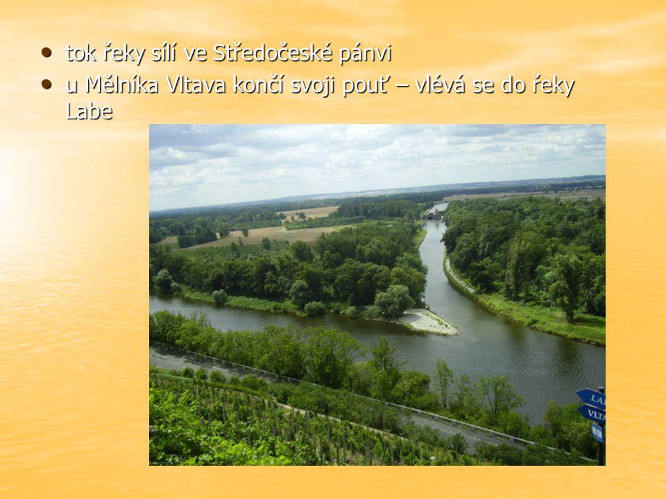 tok řeky sílí ve Středočeské pánvi