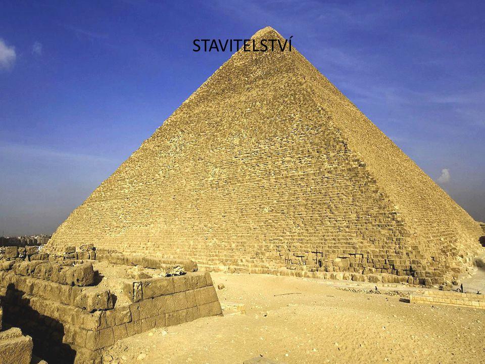 Nejvíce se používal kámen a hlína Výstavby dle plánů a projektů