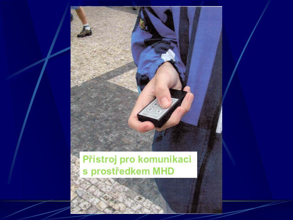 Přístroj pro komunikaci s prostředkem MHD