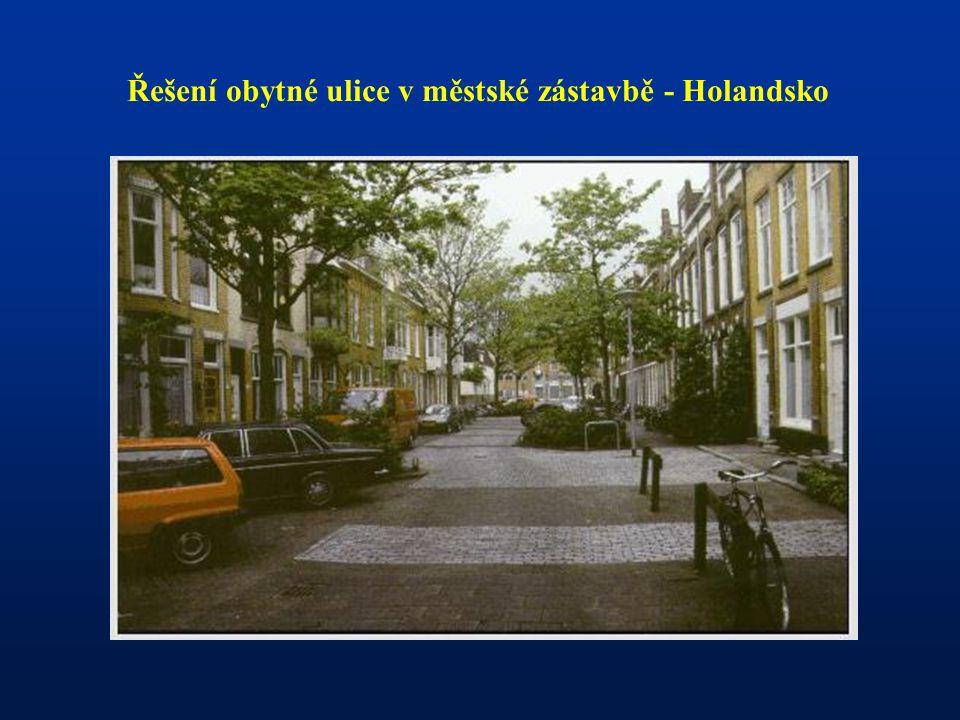 Řešení obytné ulice v městské zástavbě - Holandsko