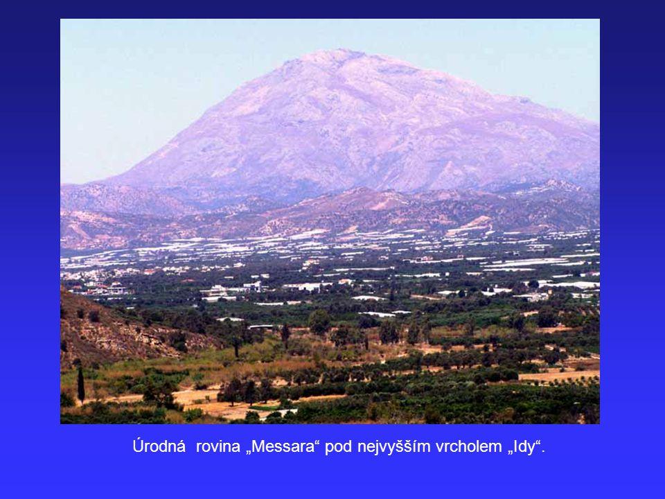 """Úrodná rovina """"Messara pod nejvyšším vrcholem """"Idy ."""