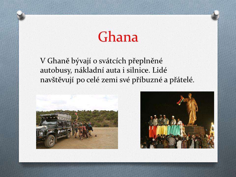 Ghana V Ghaně bývají o svátcích přeplněné autobusy, nákladní auta i silnice.