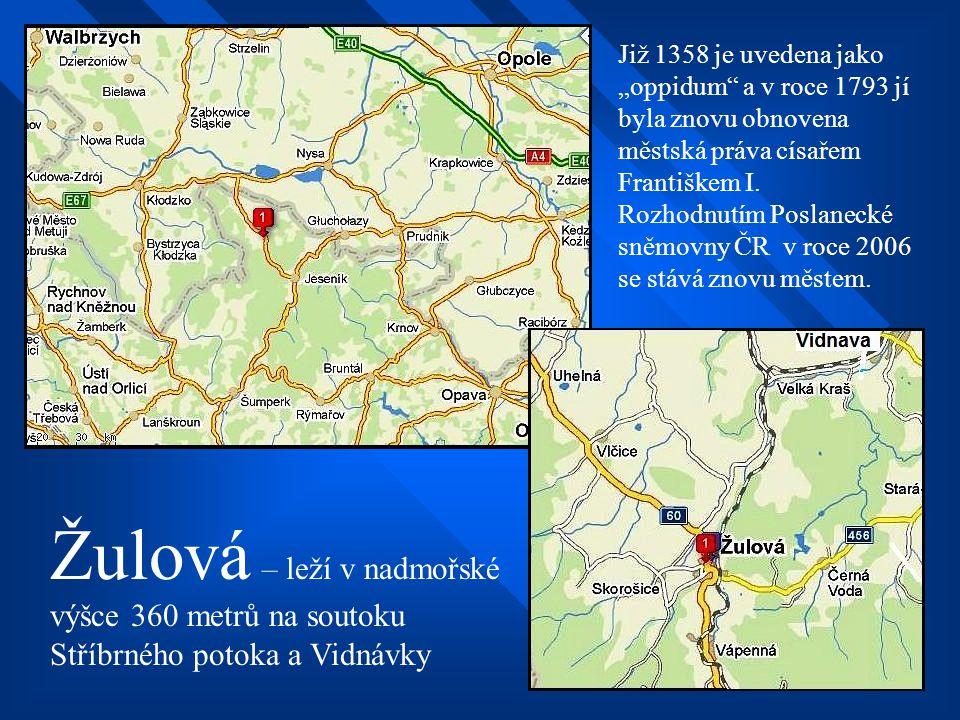 """Již 1358 je uvedena jako """"oppidum a v roce 1793 jí byla znovu obnovena městská práva císařem Františkem I. Rozhodnutím Poslanecké sněmovny ČR v roce 2006 se stává znovu městem."""
