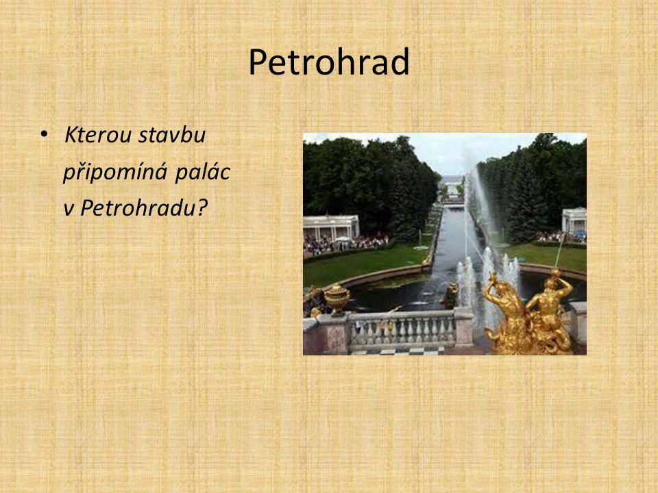 Petrohrad Kterou stavbu připomíná palác v Petrohradu