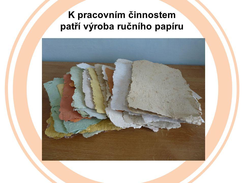 patří výroba ručního papíru