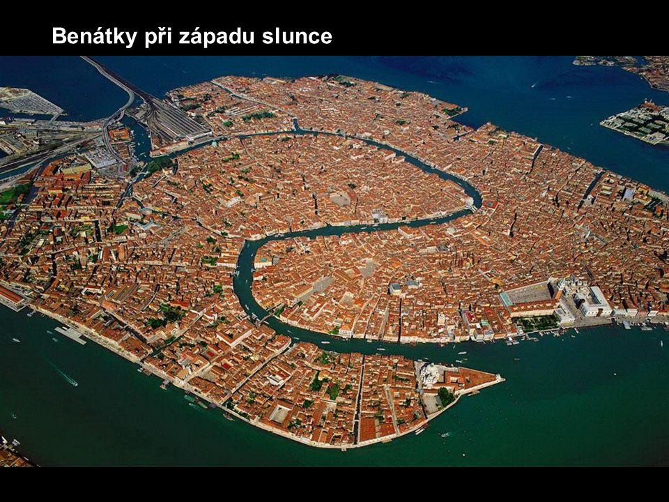 Benátky při západu slunce