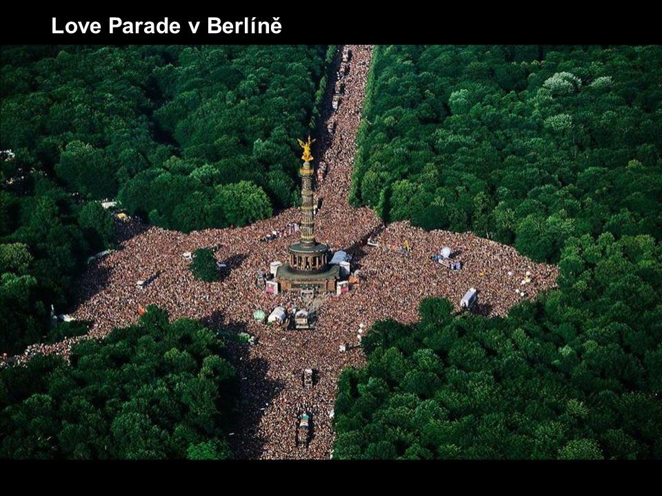 Love Parade v Berlíně