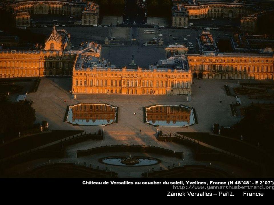 Zámek Versalles – Paříž. Francie