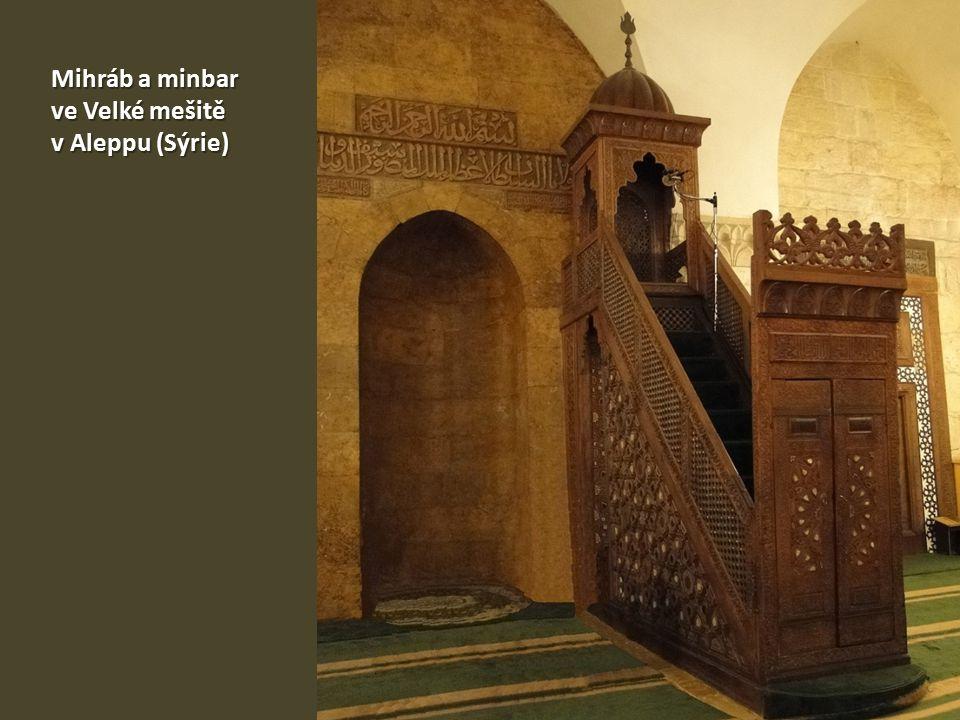Mihráb a minbar ve Velké mešitě v Aleppu (Sýrie)