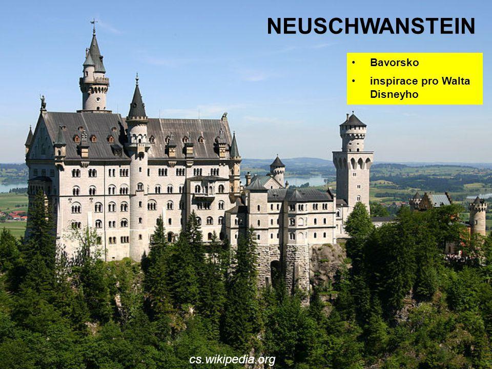 Neuschwanstein Bavorsko inspirace pro Walta Disneyho cs.wikipedia.org