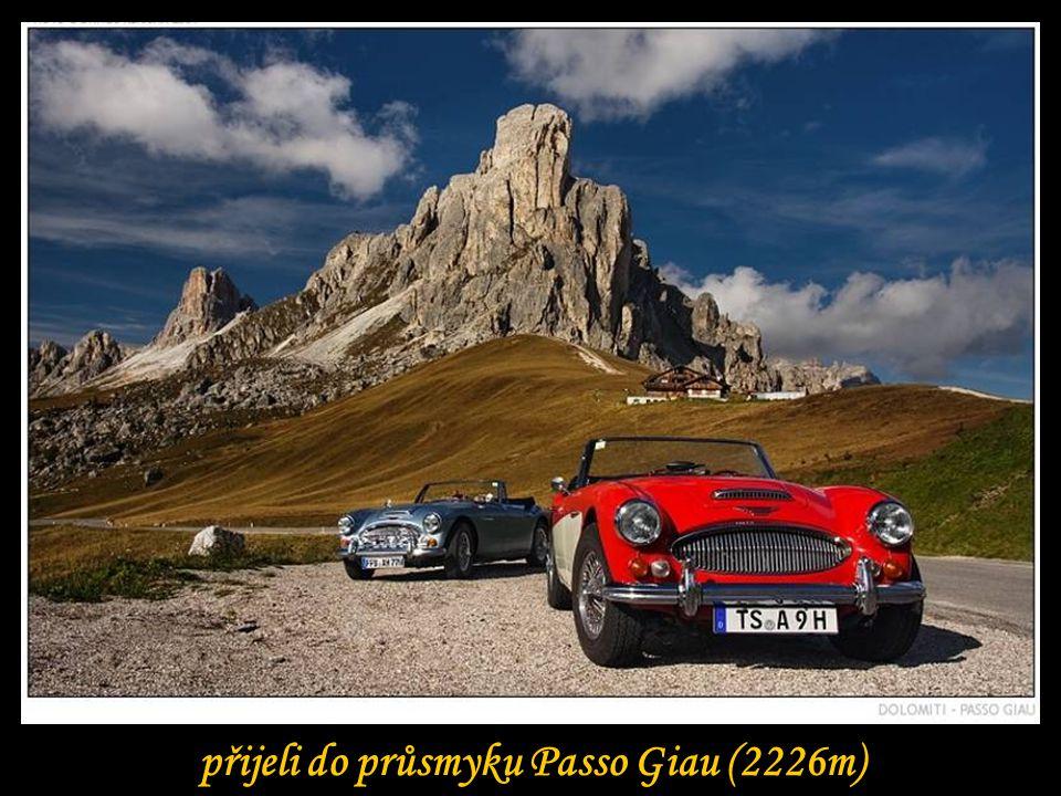 přijeli do průsmyku Passo Giau (2226m)