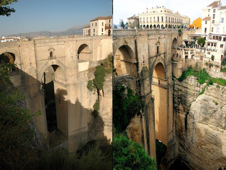 Nejznámější z mostů je kupodivu ten nejnovější – Puente Nuevo. Most ovšem. není zas tak nový, byl postaven v druhé.