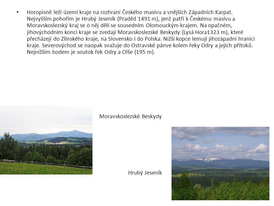 Horopisně leží území kraje na rozhraní Českého masívu a vnějších Západních Karpat. Nejvyšším pohořím je Hrubý Jeseník (Praděd 1491 m), jenž patří k Českému masívu a Moravskoslezský kraj se o něj dělí se sousedním Olomouckým krajem. Na opačném, jihovýchodním konci kraje se zvedají Moravskoslezské Beskydy (Lysá Hora1323 m), které přecházejí do Zlínského kraje, na Slovensko i do Polska. Nižší kopce lemují jihozápadní hranici kraje. Severovýchod se naopak svažuje do Ostravské pánve kolem řeky Odry a jejích přítoků. Nejnižším bodem je soutok řek Odry a Olše (195 m).