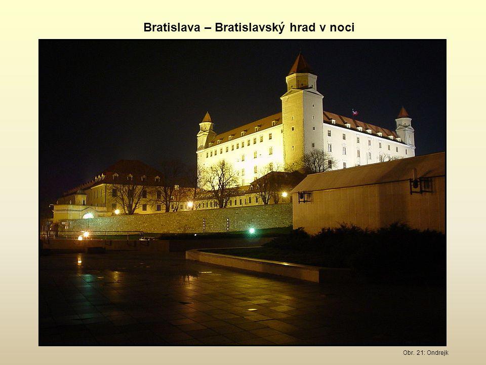 Bratislava – Bratislavský hrad v noci