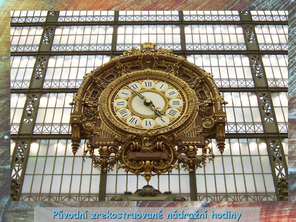 Původní zrekostruované nádražní hodiny