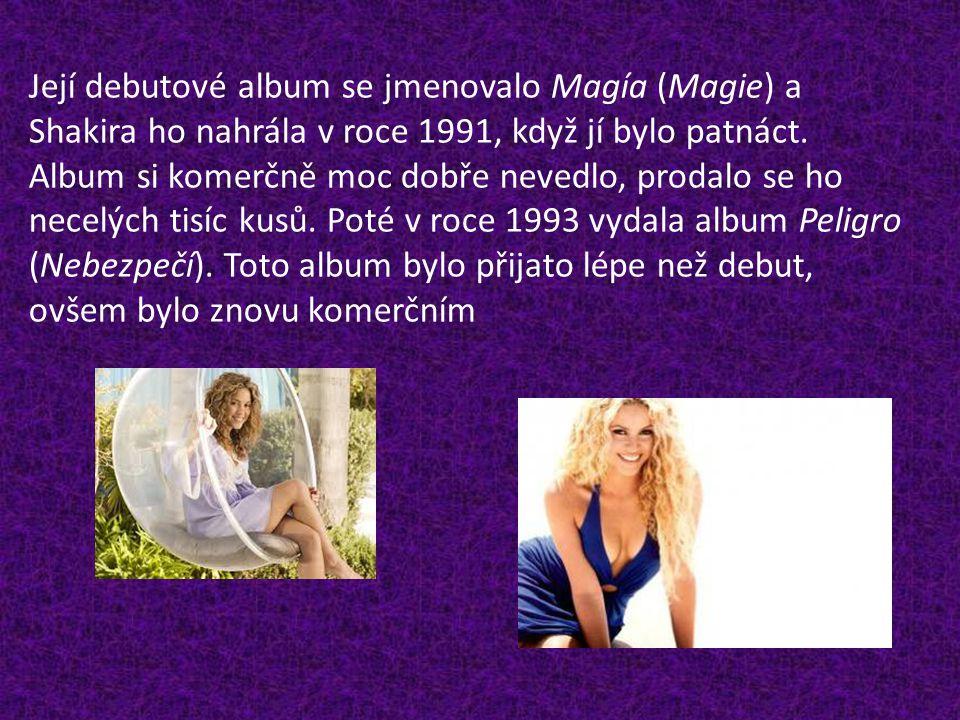 Její debutové album se jmenovalo Magía (Magie) a Shakira ho nahrála v roce 1991, když jí bylo patnáct.
