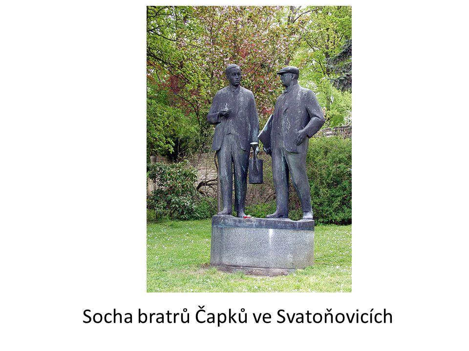 Socha bratrů Čapků ve Svatoňovicích