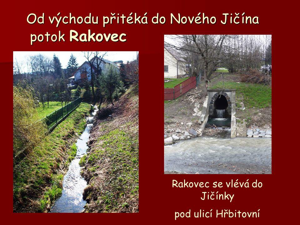 Od východu přitéká do Nového Jičína potok Rakovec