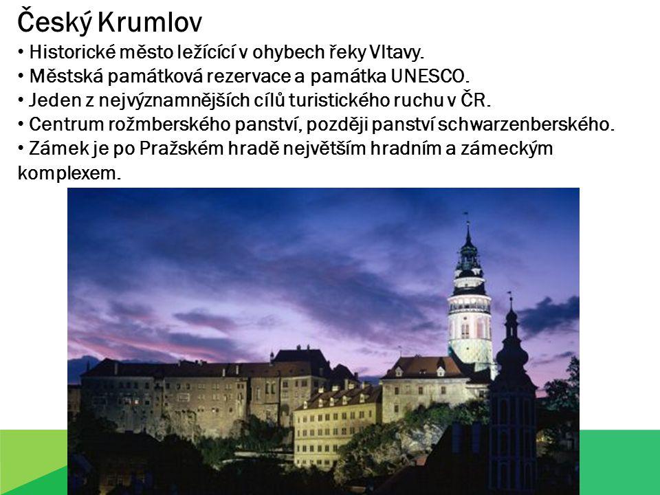 Český Krumlov Historické město ležícící v ohybech řeky Vltavy.