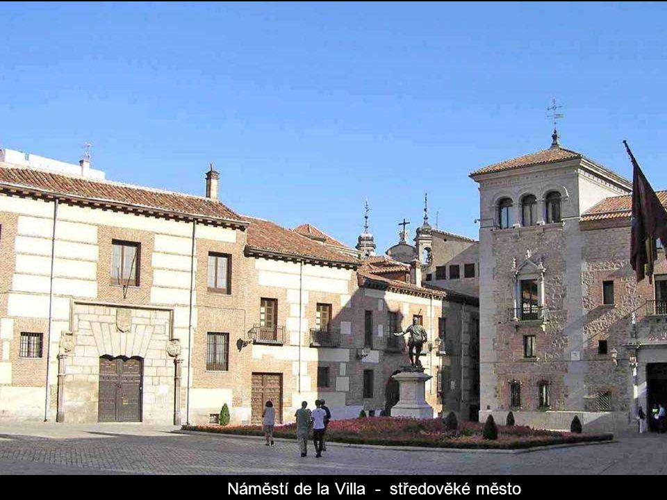 Náměstí de la Villa - středověké město