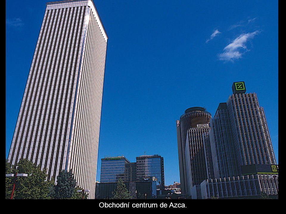 Obchodní centrum de Azca.