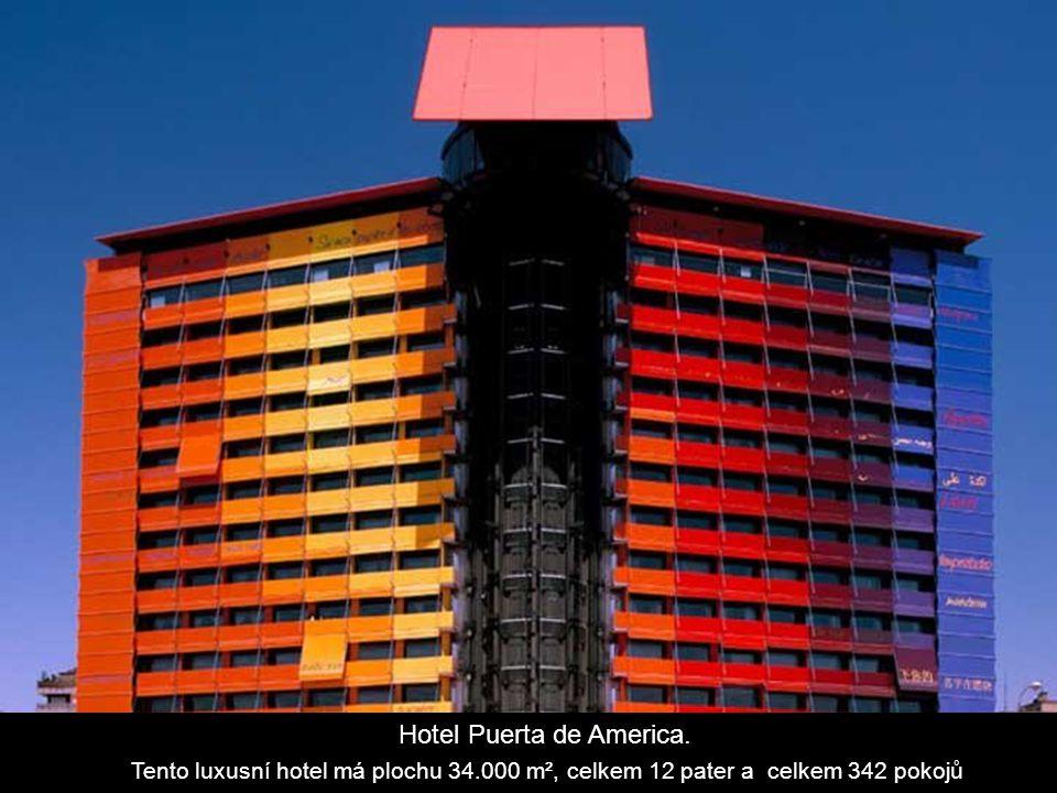Hotel Puerta de America.