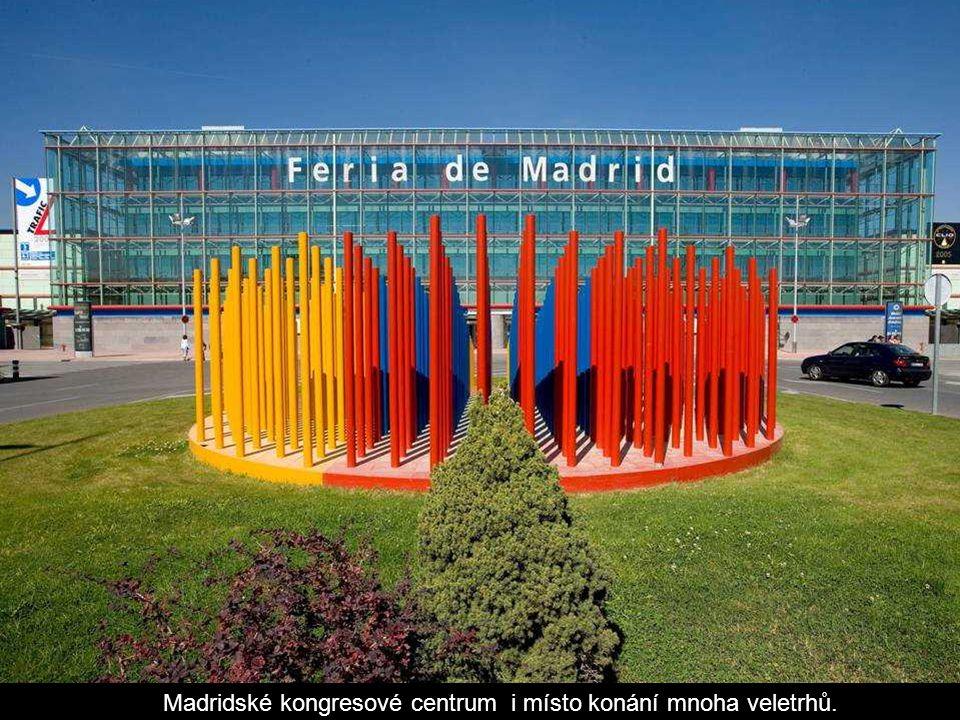 Madridské kongresové centrum i místo konání mnoha veletrhů.