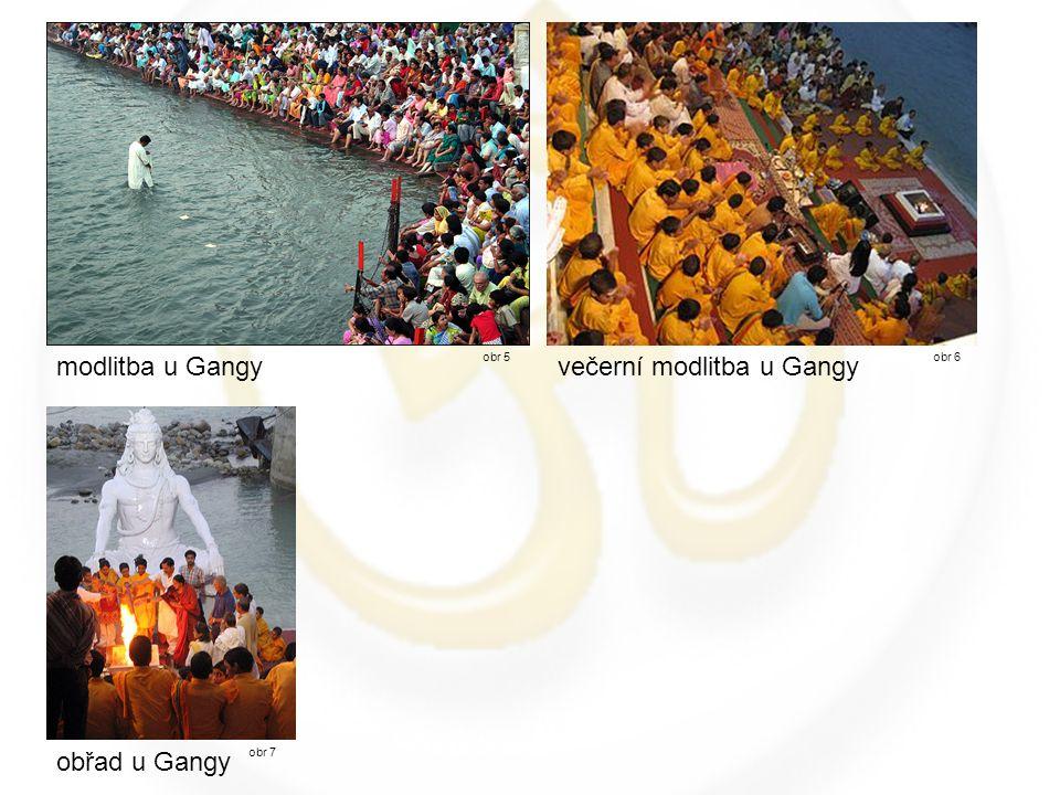 večerní modlitba u Gangy