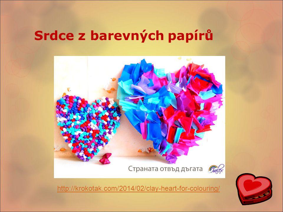 Srdce z barevných papírů