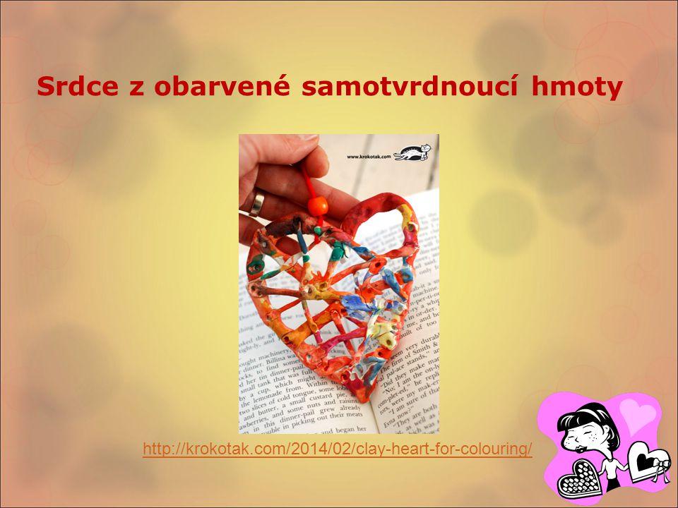 Srdce z obarvené samotvrdnoucí hmoty