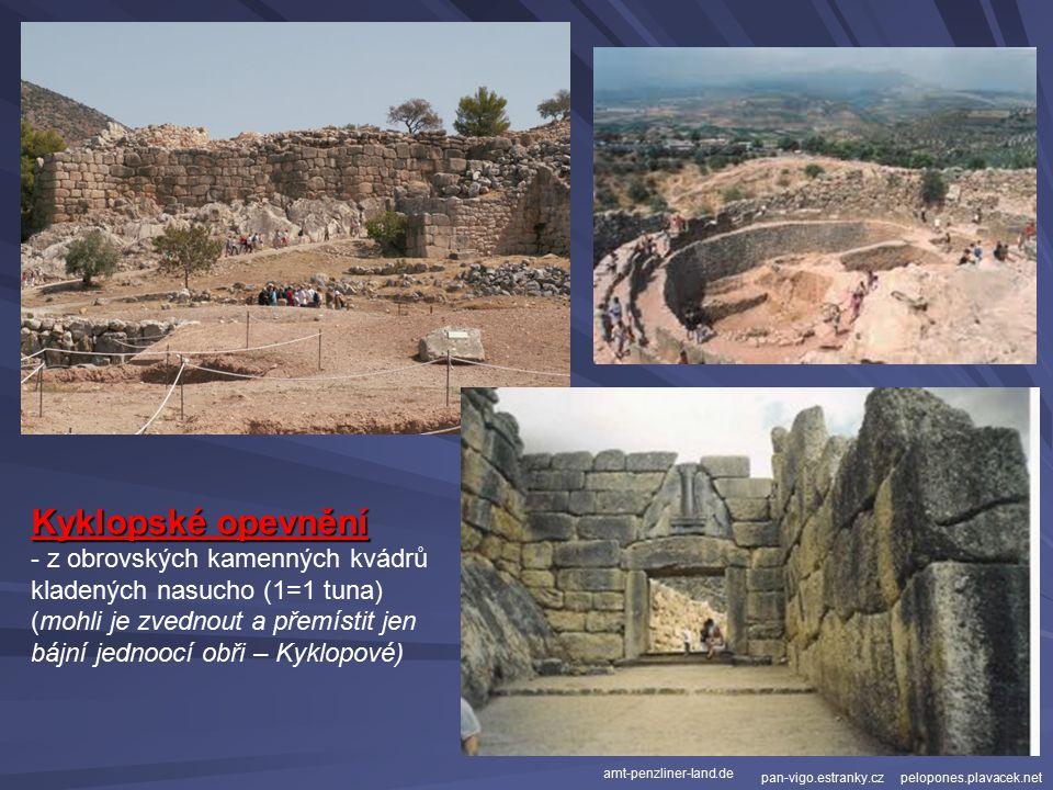 Kyklopské opevnění z obrovských kamenných kvádrů