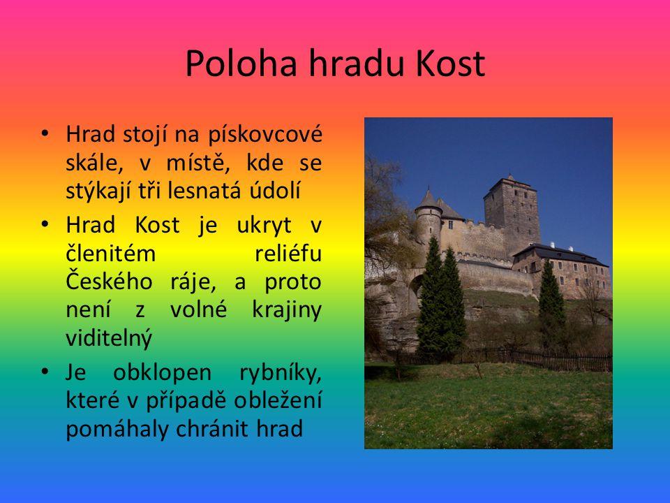 Poloha hradu Kost Hrad stojí na pískovcové skále, v místě, kde se stýkají tři lesnatá údolí.