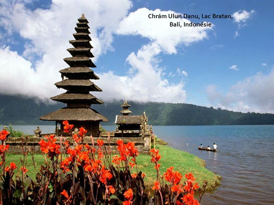 Chrám Ulun Danu, Lac Bratan,