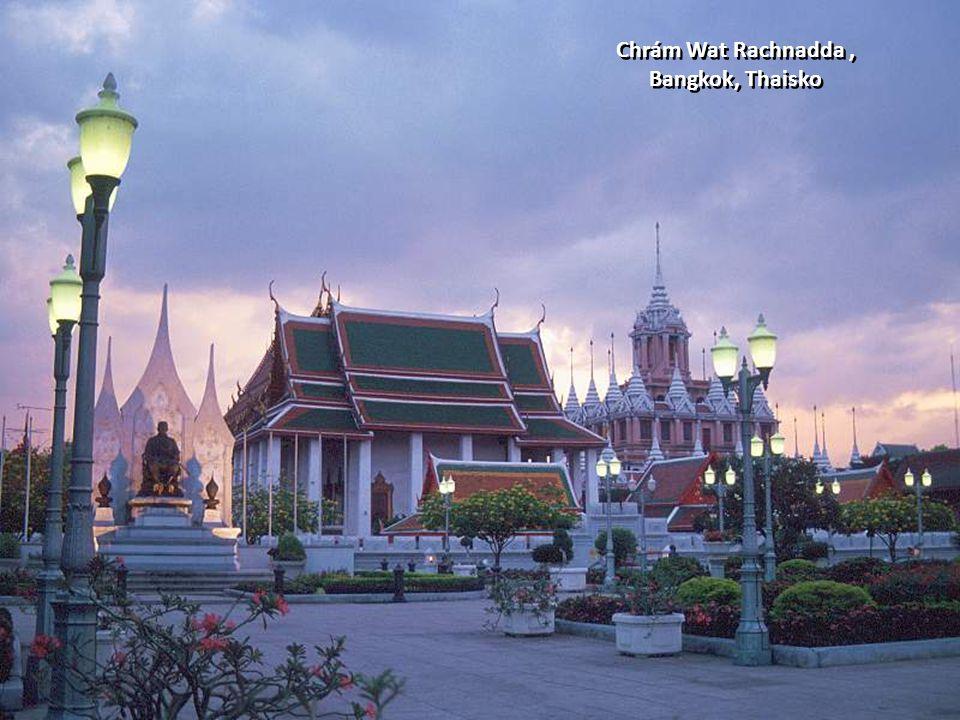 Chrám Wat Rachnadda , Bangkok, Thaisko