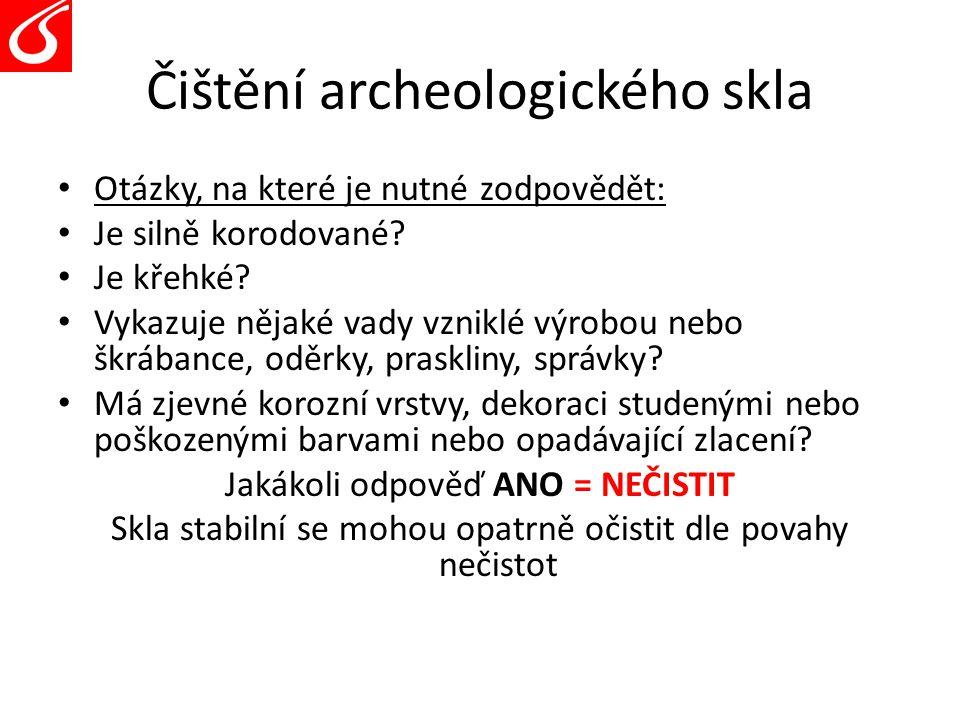 Čištění archeologického skla