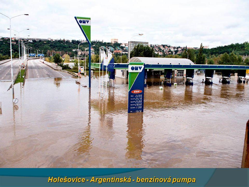 Holešovice - Argentinská - benzínová pumpa